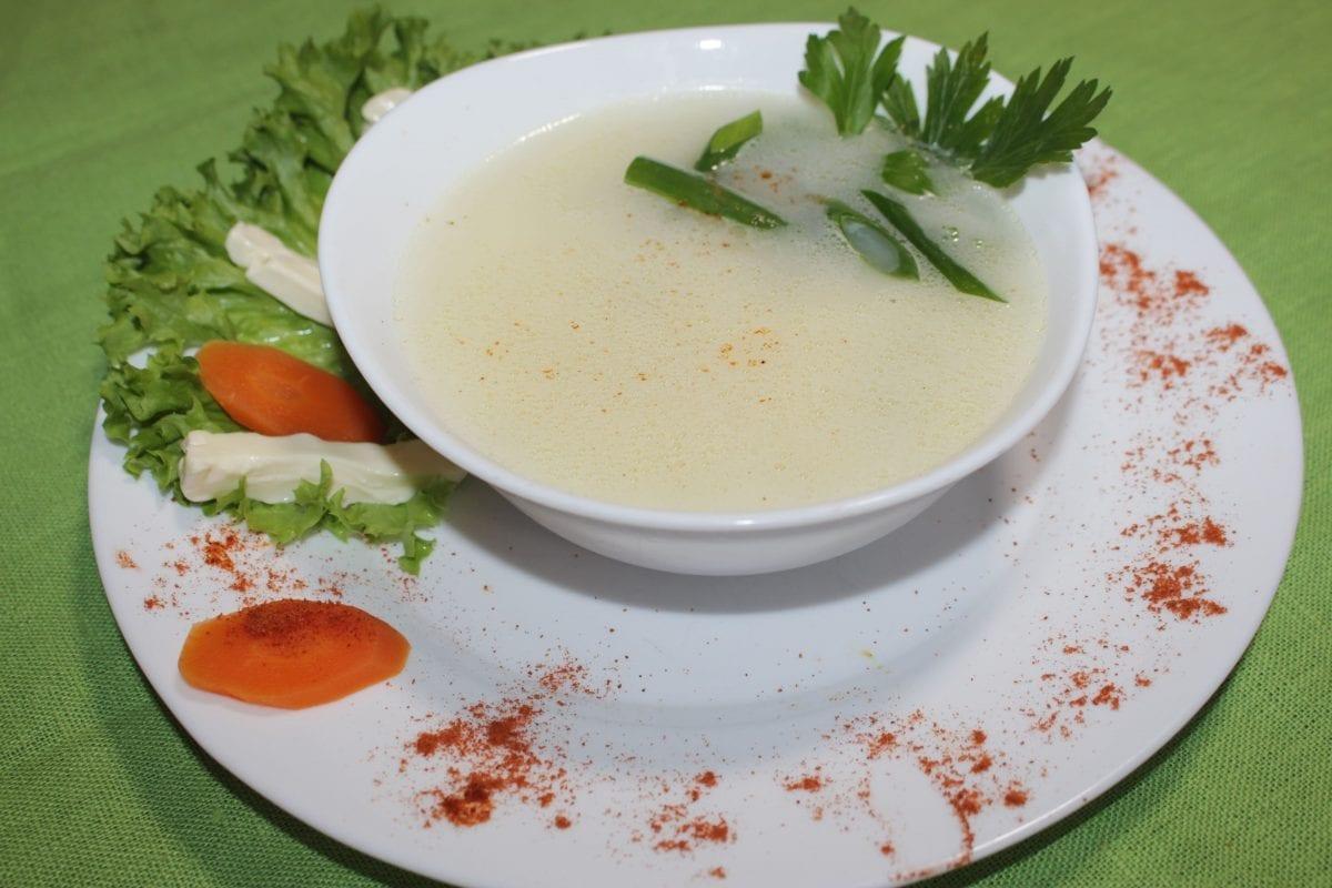 Anglijskij kurinyj sup s plavlenym syrom i lukom poreem 1200x800 - Английский куриный суп с плавленым сыром и луком пореем