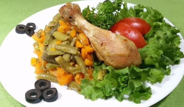 Golen kurinaya zharenaya s chesnokom Struchkovaya fasol s morkovyu e1547467155680 600x349 - Голень куриная жареная с чесноком со стручковая фасоль с морковью