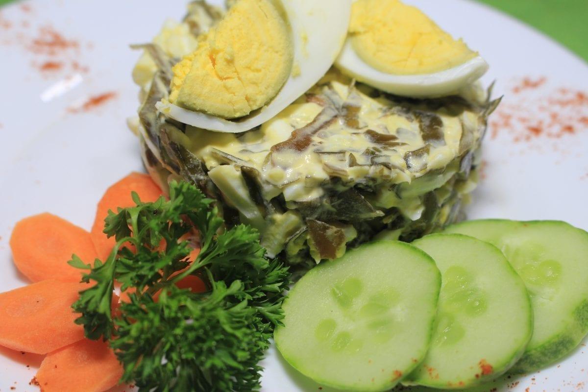 Salat iz morskoj kapusty s yajtsom i morkovyu morskaya kapustamorkovyajtsomajonez 1200x800 - Салат из морской капусты с яйцом
