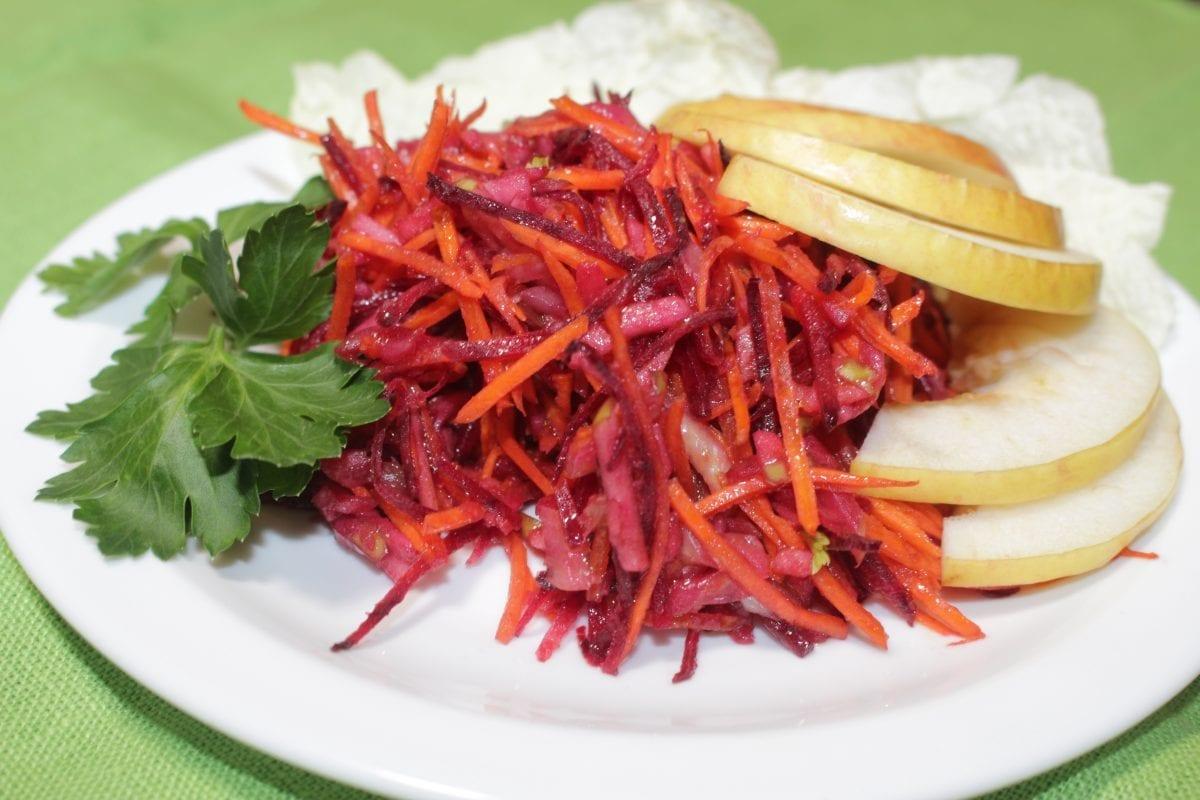 Salat s seldereem i yablokom bloko selderej svekla morkov zelen soevyj sous kunzhut maslo rast. 1200x800 - Салат с сельдереем и яблоком