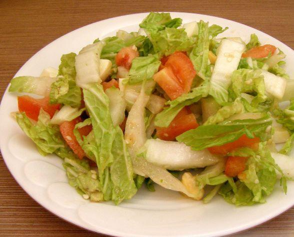 image 300 - Салат  из пекинской капусты с томатом и сухариками