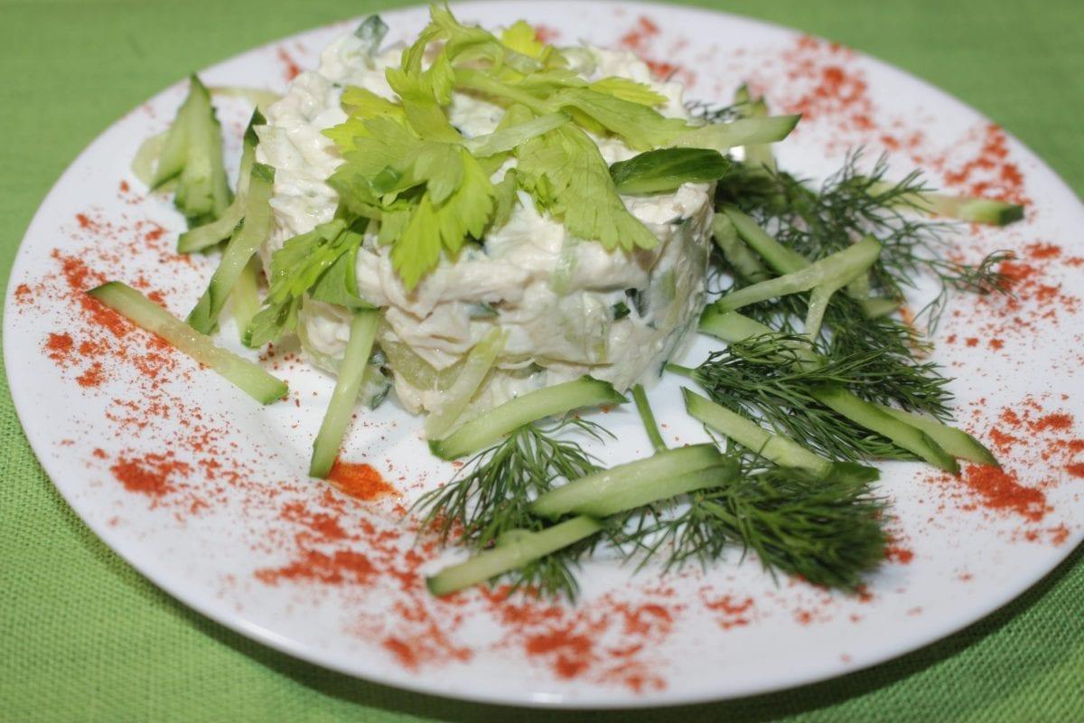 Salat s kuritsej ananasom i seldereem 1200x800 - Салат с курицей, ананасом и сельдереем