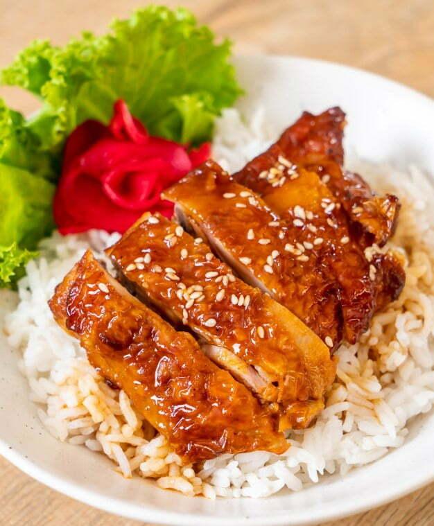 kuritsa pod sousom teriyaki - Бедро куриное в соусе терияки с рассыпчатым рисом