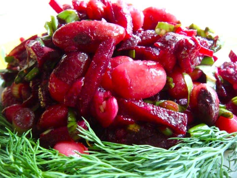 Salat iz svekly s fasolyu i yablokom - Салат из свеклы с фасолью
