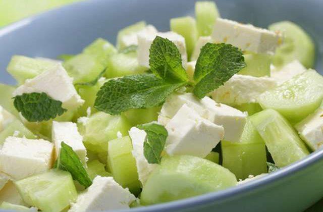 """Salat s ogurtsom i syrom feta e1624023198705 - Салат """"Огуречный"""" с сыром фета"""